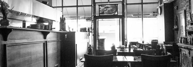 800px-Italian_Restaurant